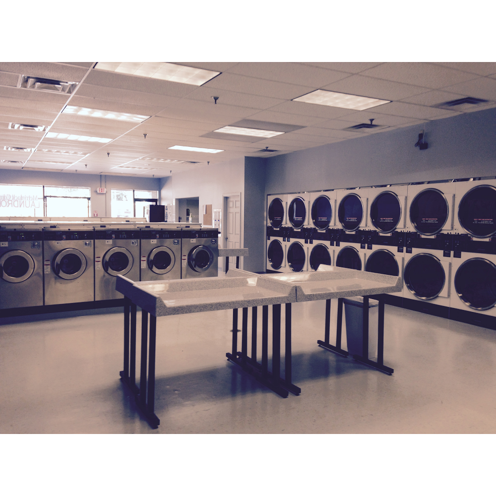 Merrimack Commons Laundromat - laundry  | Photo 8 of 10 | Address: 515 Daniel Webster Hwy, Merrimack, NH 03054, USA | Phone: (603) 262-5718