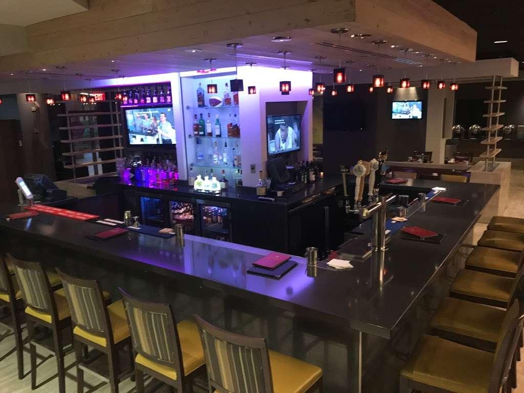 Urban Plum - restaurant  | Photo 7 of 10 | Address: 300 Plaza Dr, Secaucus, NJ 07094, USA | Phone: (201) 520-0574