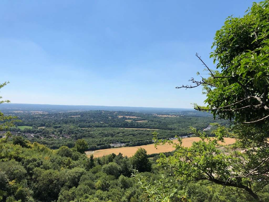 Woldingham Viewpoint - park    Photo 3 of 6   Address: Oxted, Caterham CR3 7AN, UK