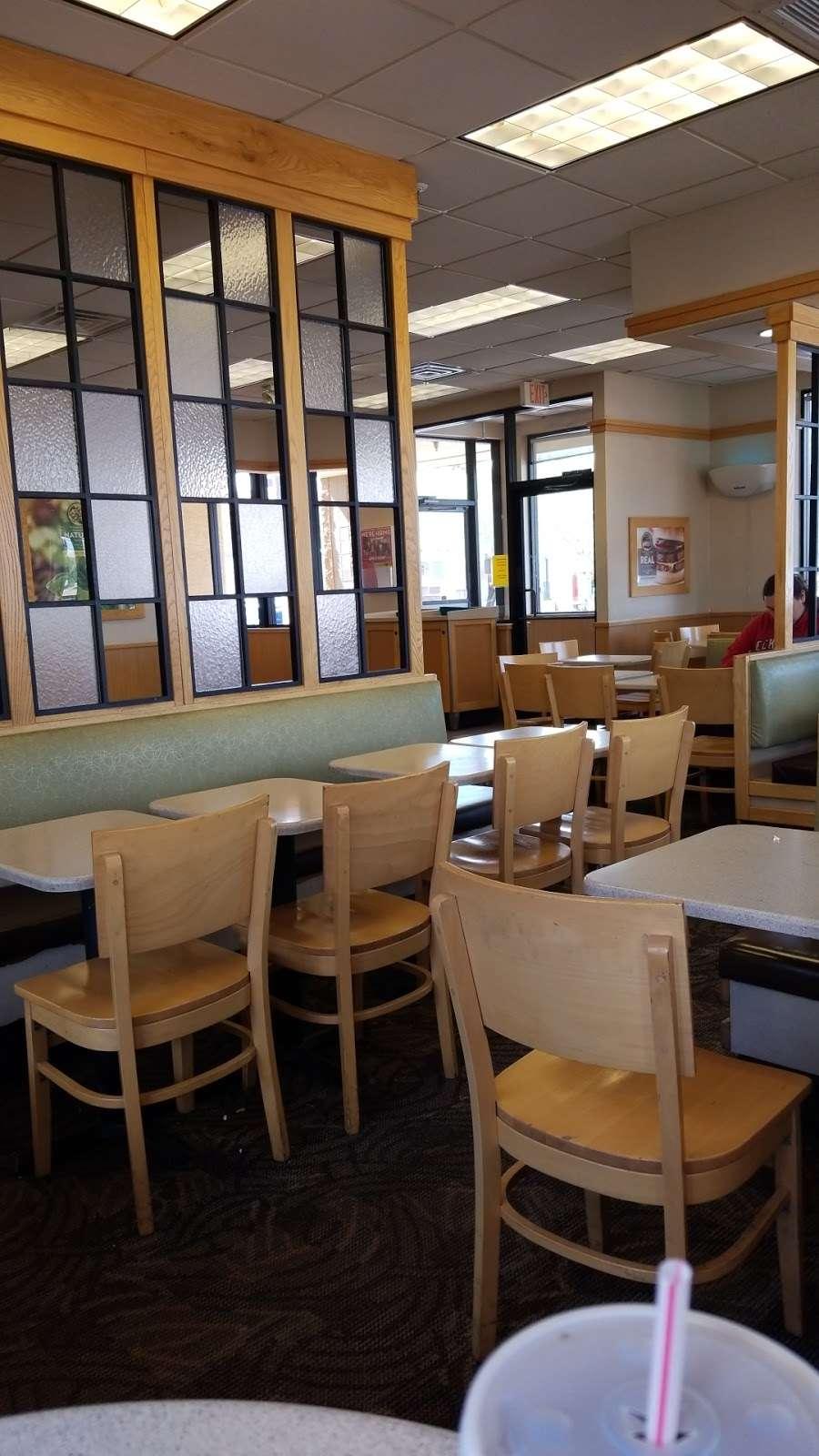 Wendys - restaurant  | Photo 9 of 10 | Address: 1405 W Baseline Rd, Tempe, AZ 85283, USA | Phone: (480) 756-0582