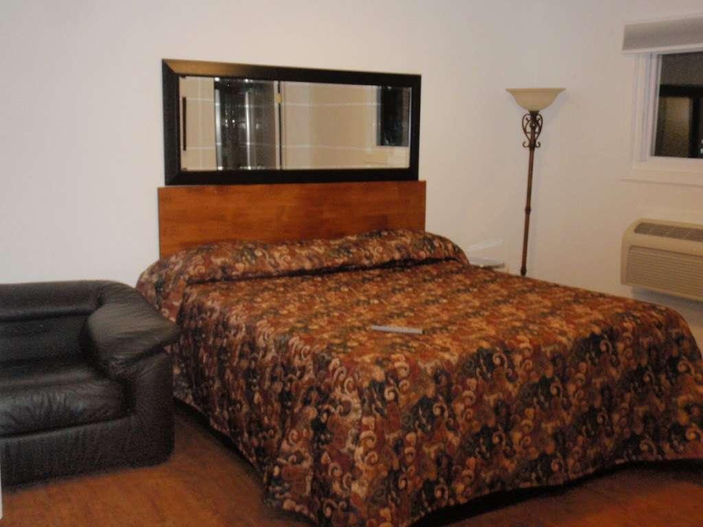 EconoStay Inn - lodging  | Photo 8 of 10 | Address: 209 Kestrel Dr, Mt Pocono, PA 18344, USA | Phone: (570) 243-4600