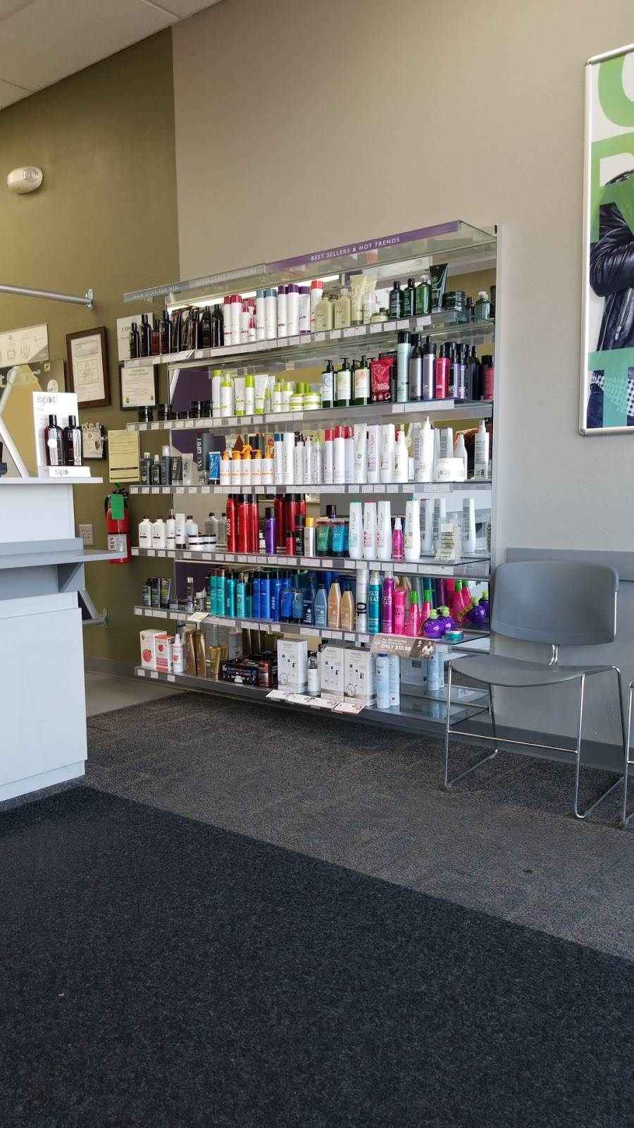 Great Clips - hair care  | Photo 6 of 8 | Address: 900 N Blue Mound Rd Ste 164, Saginaw, TX 76131, USA | Phone: (817) 847-7570