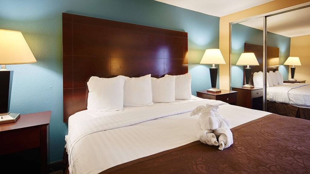 Best Western Magnolia Manor - lodging  | Photo 5 of 10 | Address: 234 N Lobdell Hwy, Port Allen, LA 70767, USA | Phone: (225) 344-3638