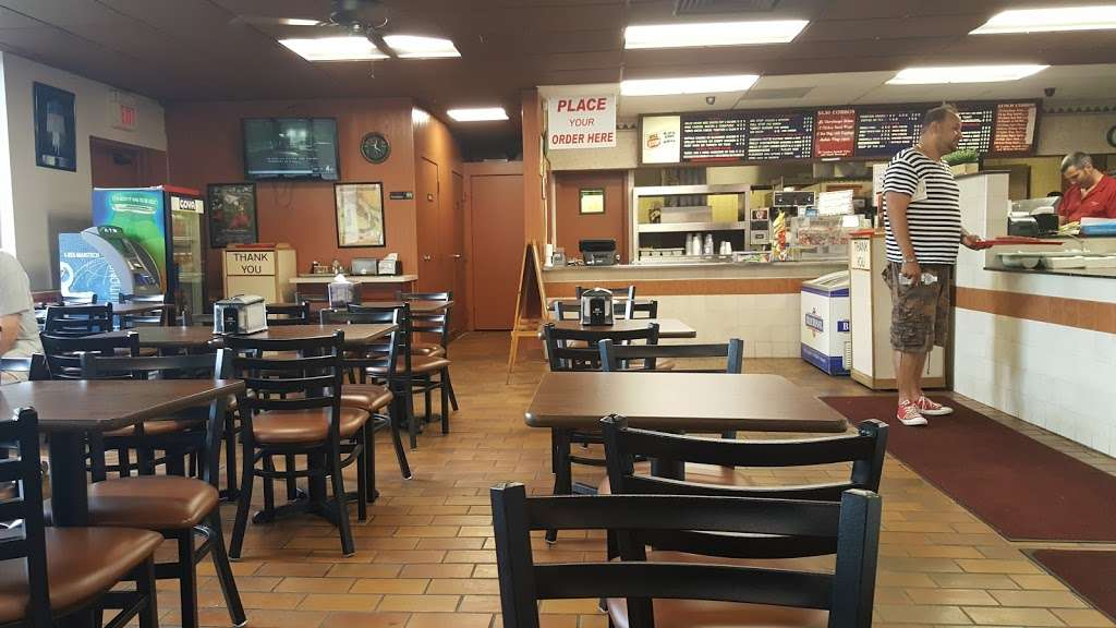 Burger Stop - meal takeaway  | Photo 9 of 10 | Address: 333 Meadowlands Pkwy # 1, Secaucus, NJ 07094, USA | Phone: (201) 866-1204