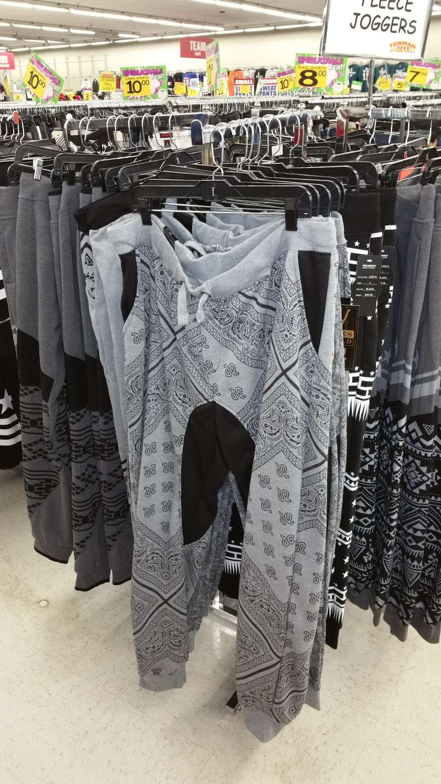 Forman Mills - clothing store  | Photo 5 of 10 | Address: 1140 Hurffville Rd, Woodbury, NJ 08096, USA | Phone: (856) 812-4894