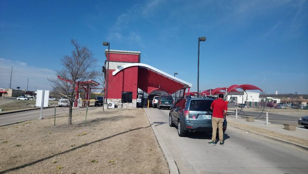 Triple Play Express Car Wash - Tulsa Hills - car wash  | Photo 8 of 9 | Address: 7855 S Olympia Ave, Tulsa, OK 74132, USA | Phone: (918) 289-0009