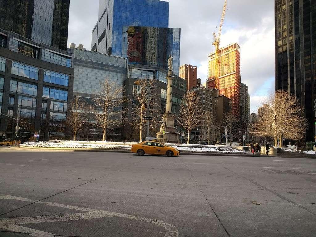 Columbus Cir/8 Av | bus station | New York, NY 10019, USA