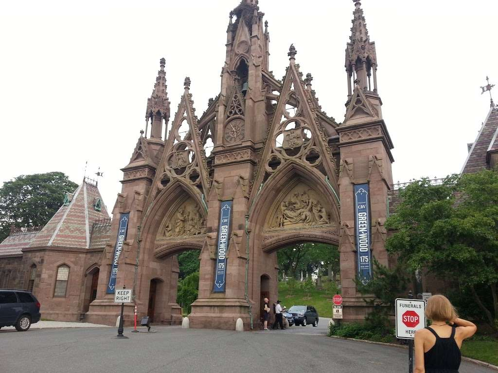 Green-Wood Cemetery - cemetery  | Photo 10 of 10 | Address: 500 25th St, Brooklyn, NY 11232, USA | Phone: (718) 768-7300
