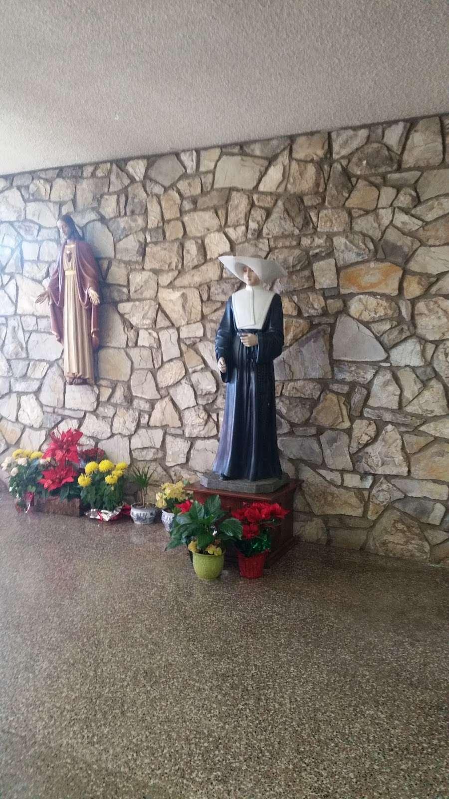 St. Catherine Laboure Church - church  | Photo 7 of 10 | Address: 3846 Redondo Beach Blvd, Torrance, CA 90504, USA | Phone: (310) 323-8900
