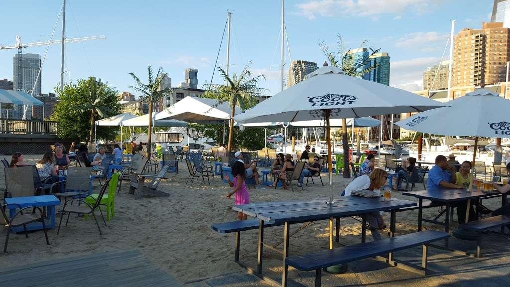 Surf City - restaurant  | Photo 6 of 10 | Address: 1 Marin Blvd, Jersey City, NJ 07302, USA | Phone: (201) 516-9000