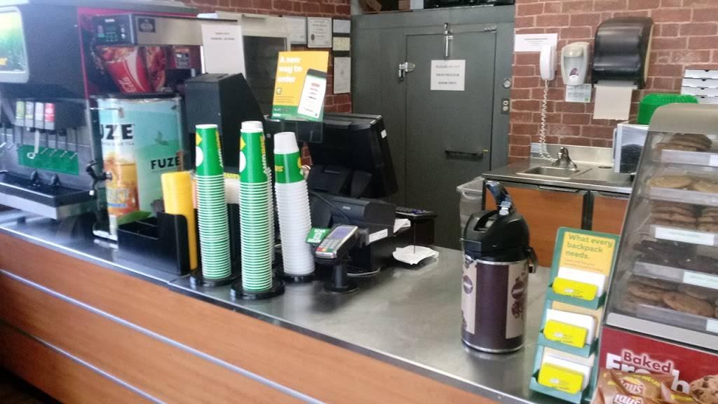 Subway - meal takeaway  | Photo 6 of 10 | Address: 668 Harding Blvd, Baton Rouge, LA 70807, USA | Phone: (225) 775-7827