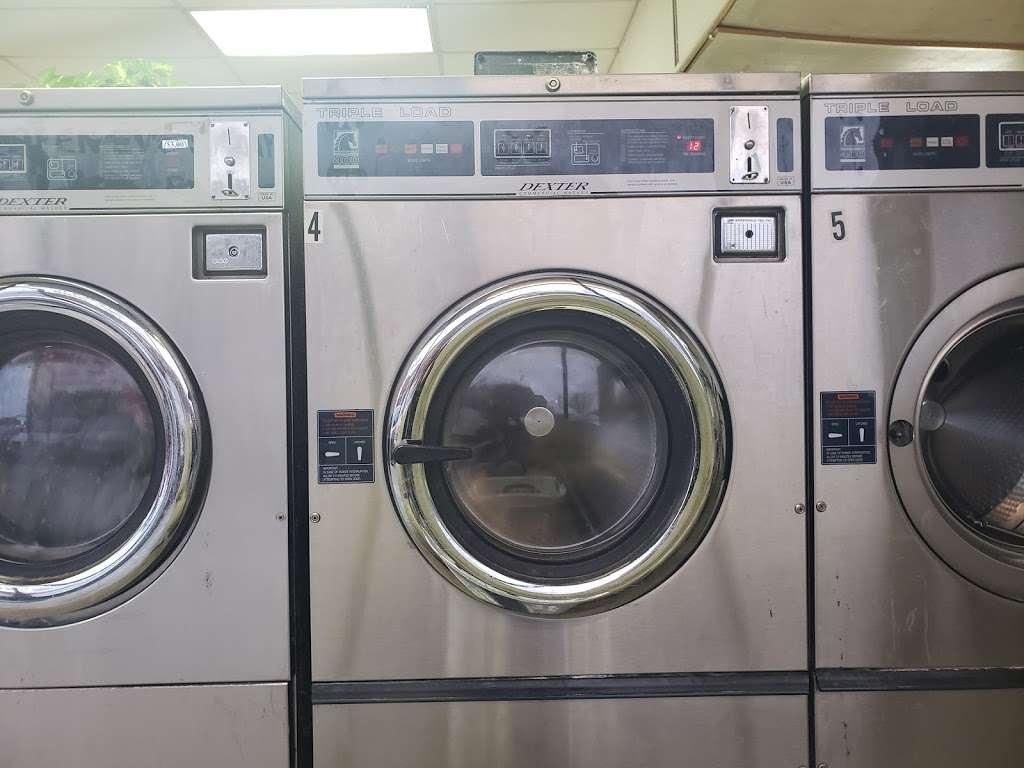 Clean Team Washateria - laundry    Photo 3 of 5   Address: 501 1/2, El Dorado Blvd B, Webster, TX 77598, USA   Phone: (281) 488-2062