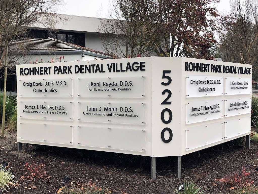 Craig Davis Orthodontics - dentist  | Photo 2 of 10 | Address: 5200 Snyder Ln, Rohnert Park, CA 94928, USA | Phone: (707) 585-2500