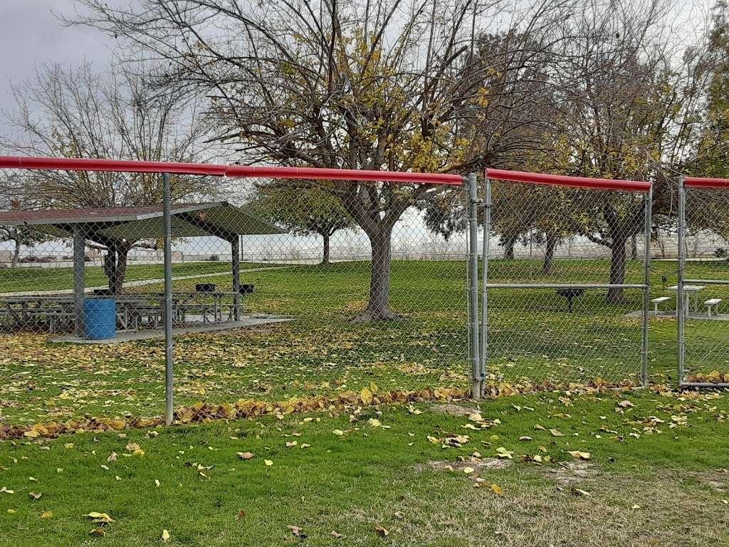 Franklin Field Complex - park  | Photo 7 of 10 | Address: 281 E Cedar St, Taft, CA 93268, USA | Phone: (661) 763-4246