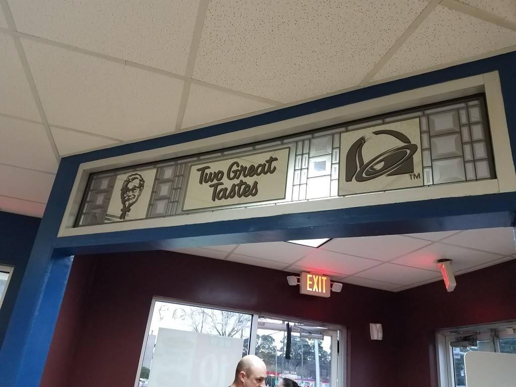 Taco Bell - meal takeaway    Photo 4 of 10   Address: 139 S Battlefield Blvd S, Chesapeake, VA 23322, USA   Phone: (757) 482-2088