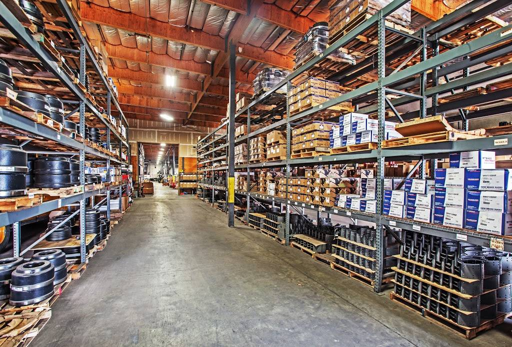 Betts Truck Parts & Service - car repair    Photo 3 of 10   Address: 2867 S Maple Ave, Fresno, CA 93725, USA   Phone: (559) 498-8624