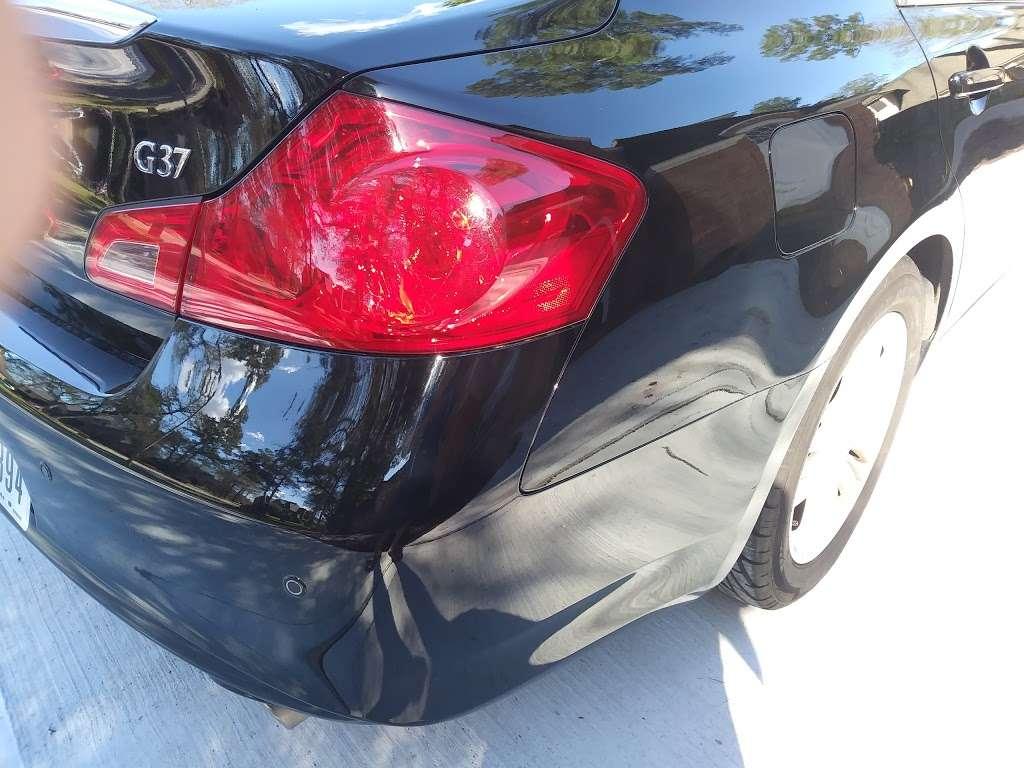 Service King Collision Repair of Willowbrook - Car repair