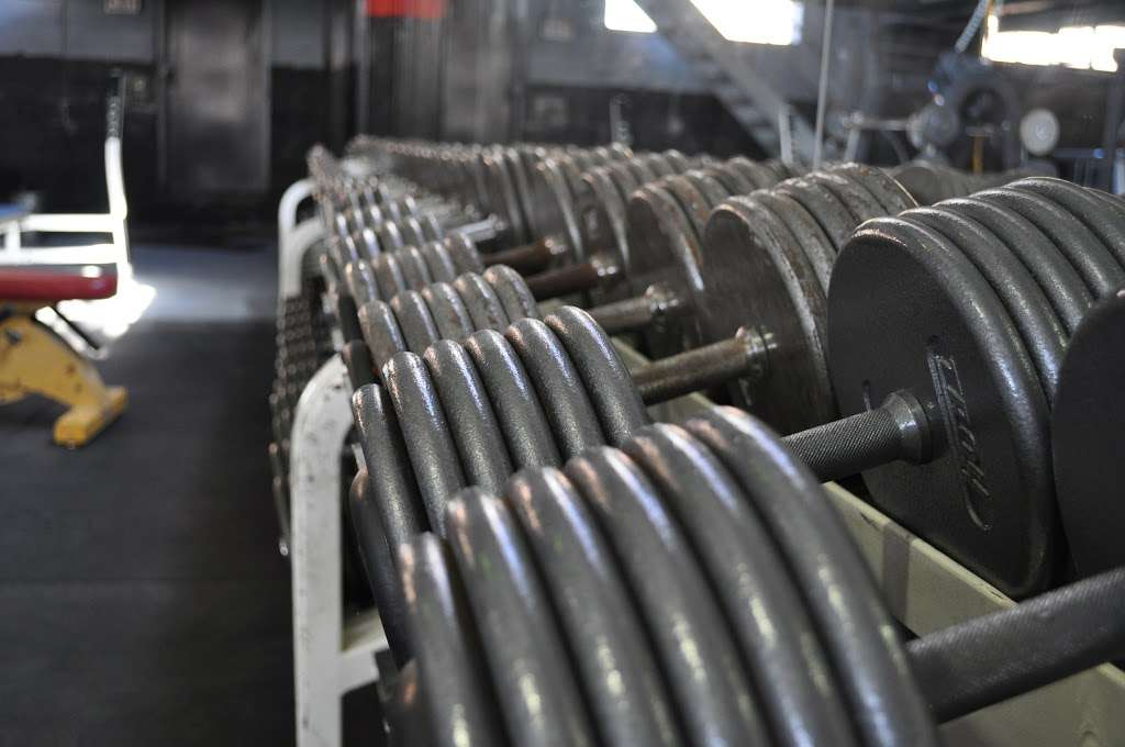East Coast / West Coast Strength Speed & Conditioning - gym  | Photo 5 of 10 | Address: 645 Industrial Rd, Carlstadt, NJ 07072, USA | Phone: (201) 596-4626