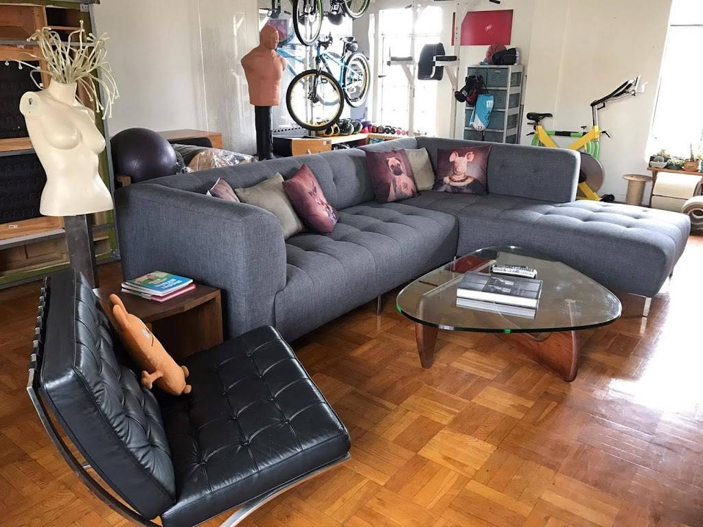 Angelas Upholstery & Slipcovers Corp. - furniture store  | Photo 1 of 10 | Address: 1006 W 47th St, Los Angeles, CA 90037, USA | Phone: (323) 333-3715