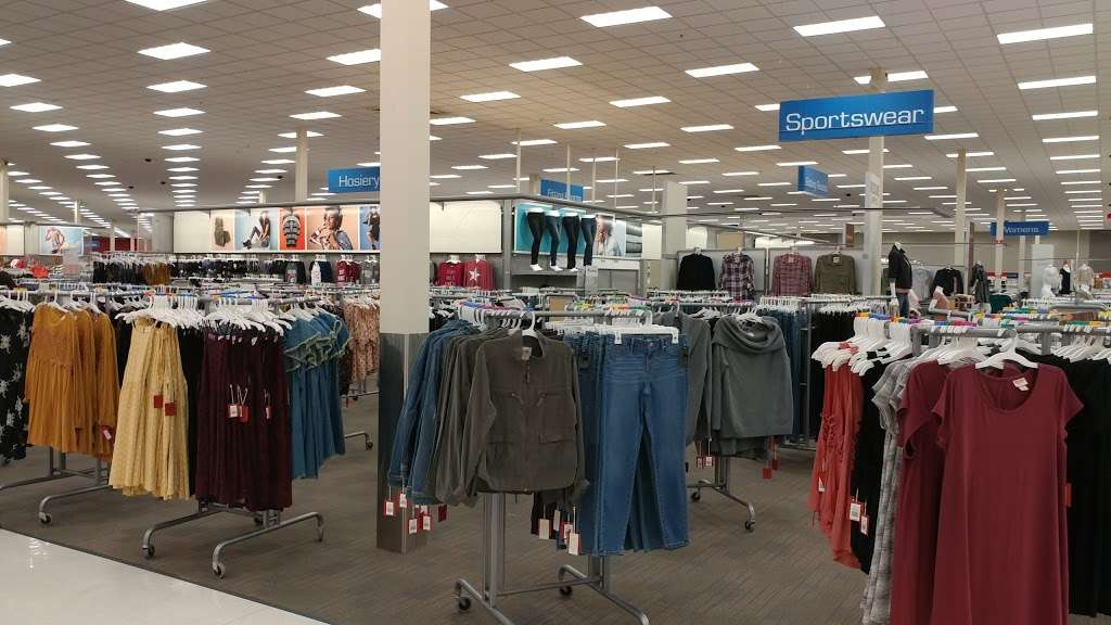 Target - department store  | Photo 8 of 10 | Address: 601 S Plano Rd, Richardson, TX 75081, USA | Phone: (214) 530-0183