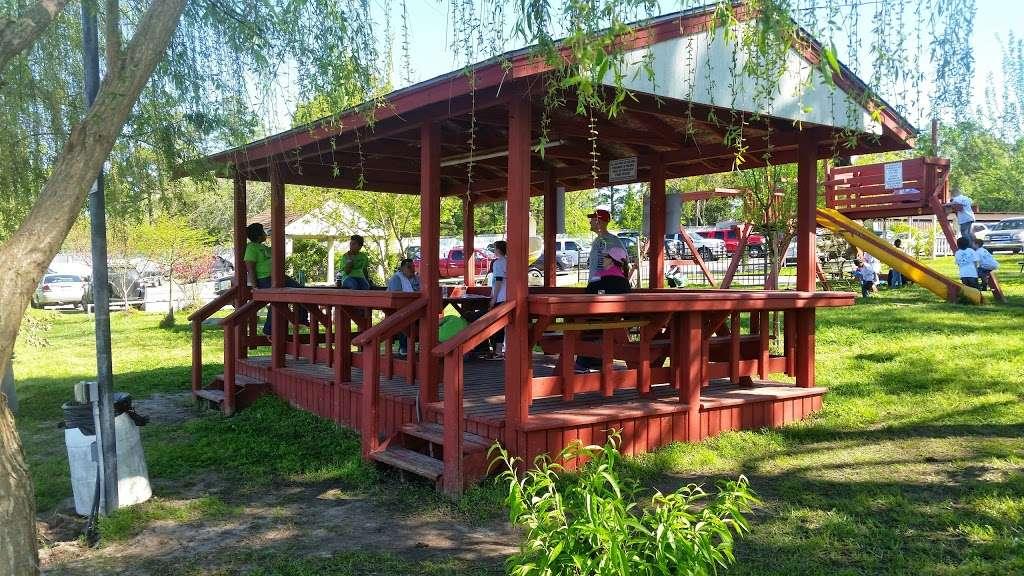 Lake Houston Marina - convenience store    Photo 8 of 10   Address: 10611 FM 1960, Huffman, TX 77336, USA   Phone: (281) 324-1264