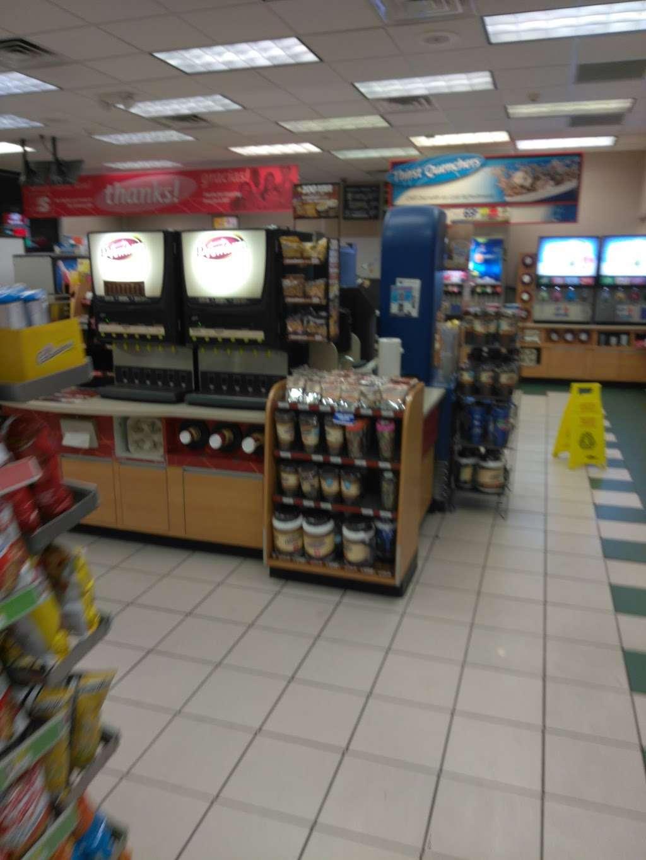 Speedway - convenience store    Photo 2 of 8   Address: 946 Washington St, Attleboro, MA 02703, USA   Phone: (508) 399-8273
