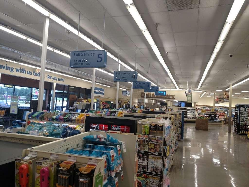 Food Lion - store  | Photo 4 of 10 | Address: 709 E McGregor St, Pageland, SC 29728, USA | Phone: (843) 672-7677