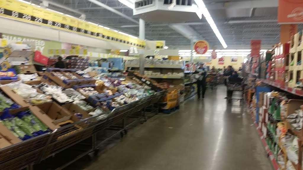 ALDI - supermarket    Photo 6 of 9   Address: 2540 Sycamore Rd, DeKalb, IL 60115, USA   Phone: (855) 955-2534