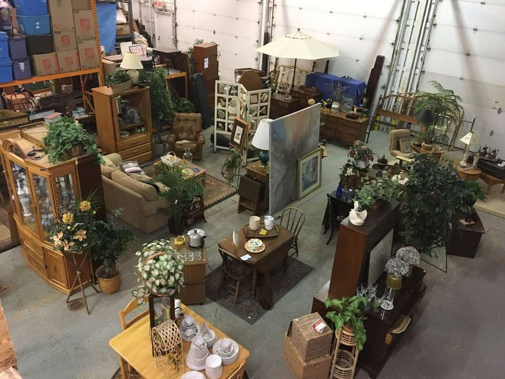 Caits Warehouse - Consignments and Estate Sales - furniture store  | Photo 5 of 10 | Address: 10201 191st St, Mokena, IL 60448, USA | Phone: (708) 995-7746