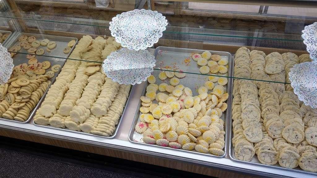 Stocks Bakery - bakery    Photo 8 of 10   Address: 2614 E Lehigh Ave, Philadelphia, PA 19125, USA   Phone: (215) 634-7344