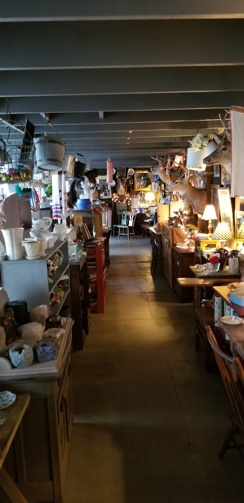 Antique Treasures - home goods store  | Photo 7 of 10 | Address: 55 Roadside Dr, Shartlesville, PA 19554, USA | Phone: (610) 488-1545