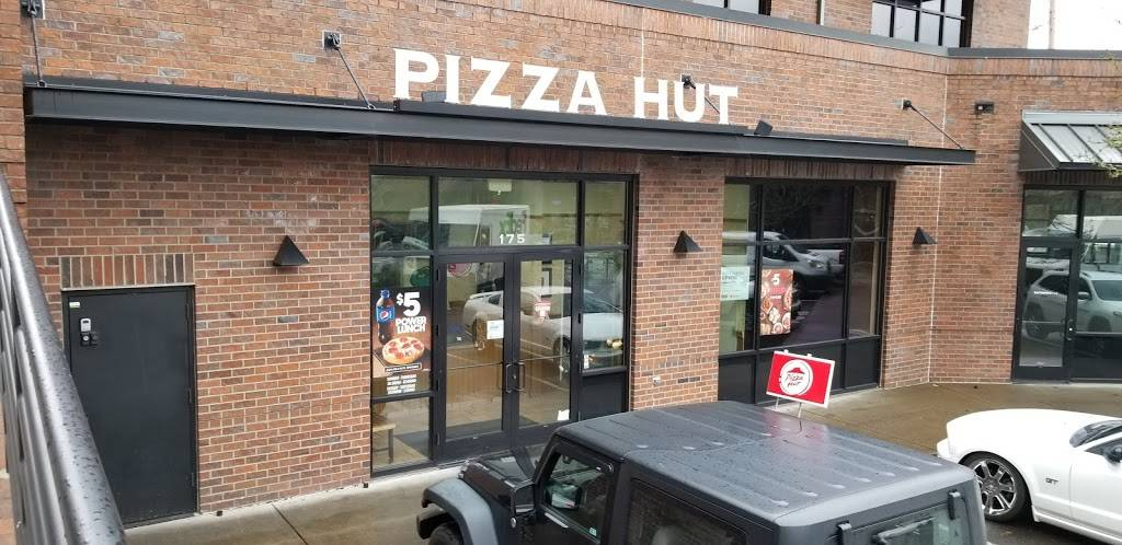 Pizza Hut - meal takeaway  | Photo 1 of 10 | Address: 7405 SW Barbur Blvd, Portland, OR 97219, USA | Phone: (503) 452-2815