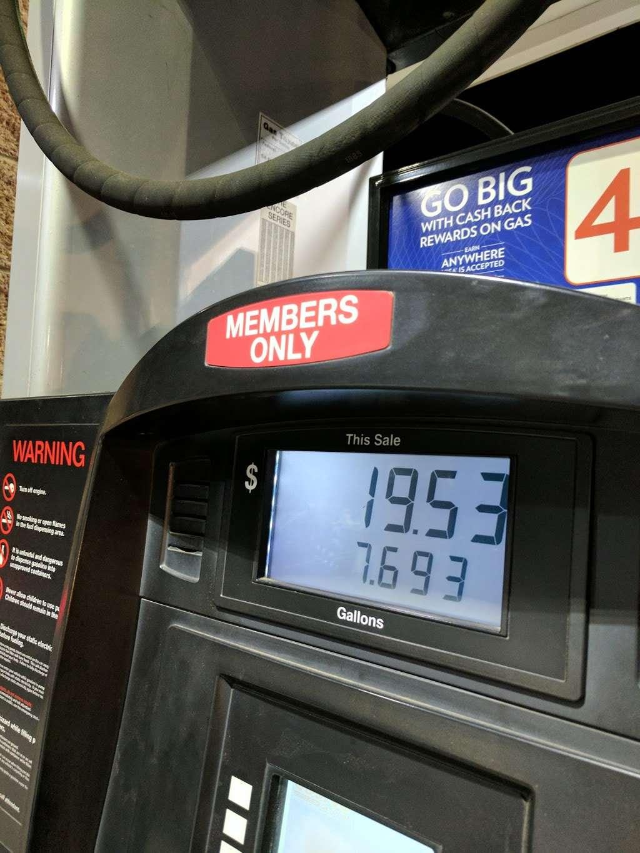 Costco Gasoline - gas station  | Photo 2 of 10 | Address: 13550 Paxton St, Pacoima, CA 91331, USA | Phone: (818) 272-2700