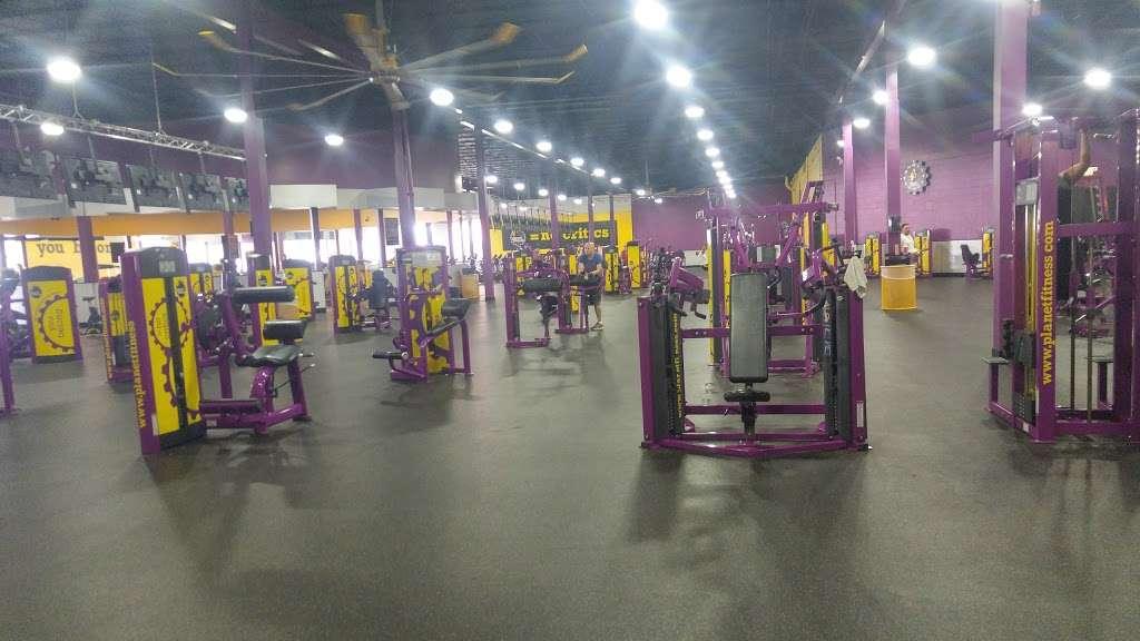 Planet Fitness 3120 N Pulaski Rd Chicago Il 60641 Usa