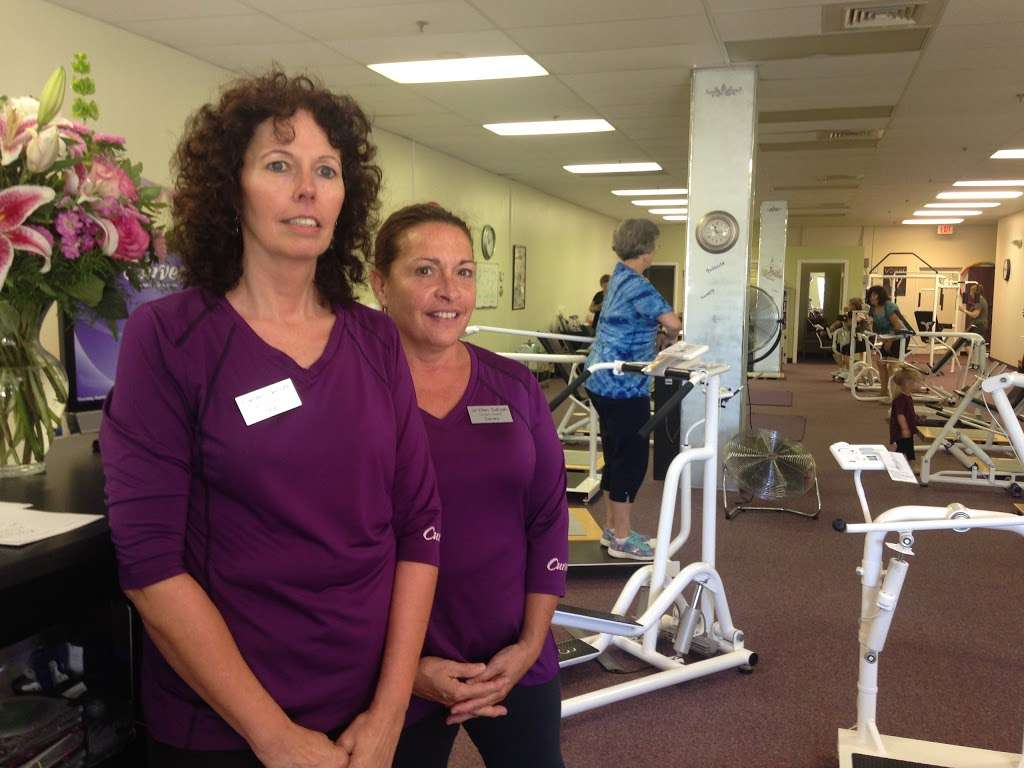 Curves / Womens Fitness - gym    Photo 2 of 3   Address: 4 Orchard View Dr, Londonderry, NH 03053, USA   Phone: (603) 965-1088