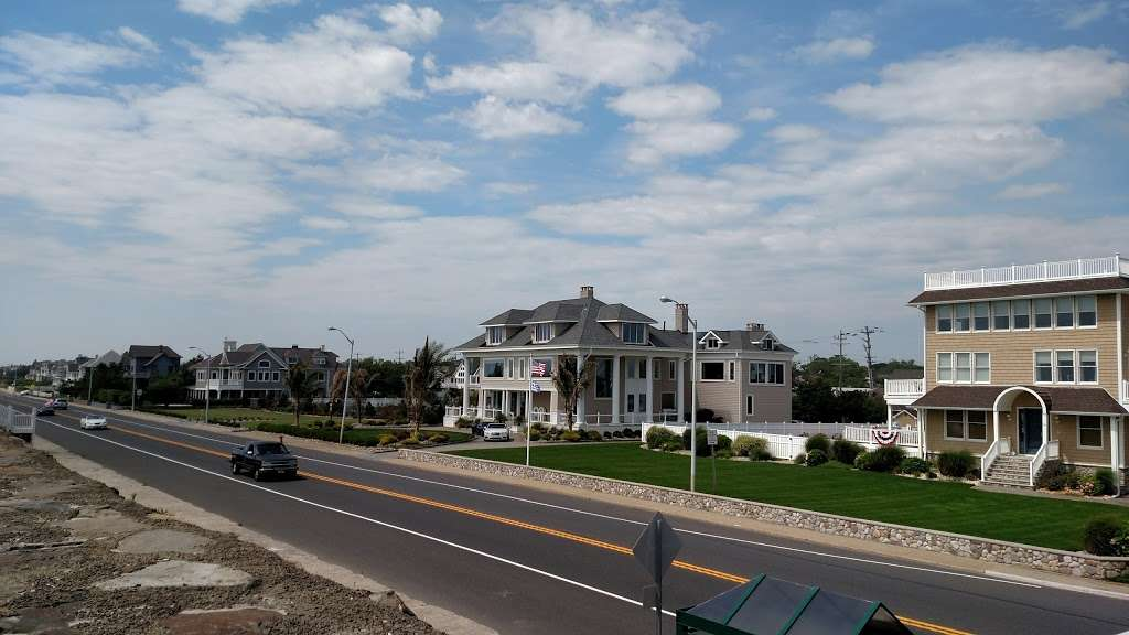 Resort 88 - lodging  | Photo 9 of 10 | Address: 88 Ocean Ave, Monmouth Beach, NJ 07750, USA