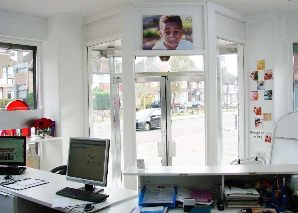 Sign of Style - clothing store  | Photo 8 of 10 | Address: 231 Harrow Rd, Wembley HA9 6DX, UK | Phone: 020 3609 0720