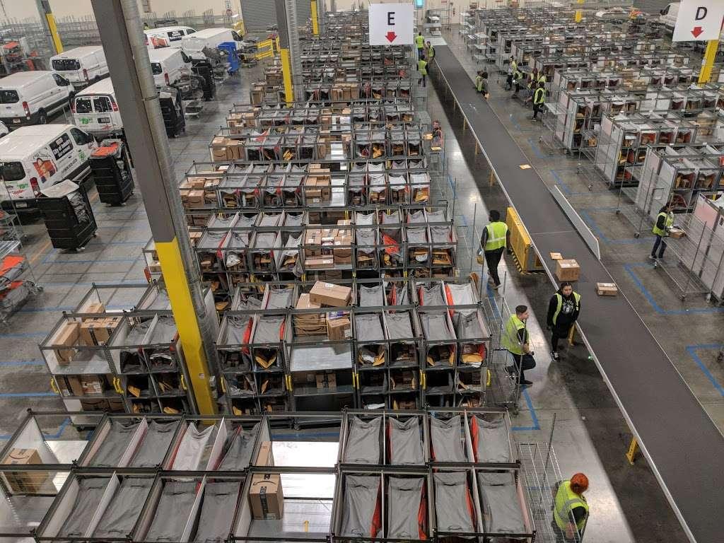 Amazon Delivery Station - Chino (DLA7) - storage  | Photo 2 of 4 | Address: 15940 Euclid Ave, Chino, CA 91708, USA | Phone: 800-372-8066