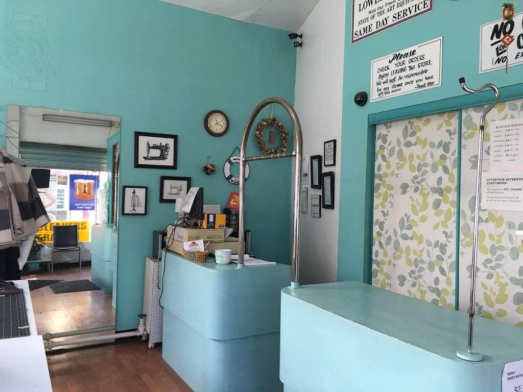 KingsBay Laundromat - laundry  | Photo 8 of 9 | Address: 6900 Bay Pkwy, Brooklyn, NY 11204, USA | Phone: (718) 837-4947