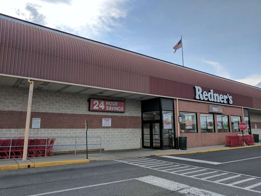 Redners Warehouse Markets - supermarket  | Photo 3 of 10 | Address: 300 Kenhorst Plaza, Reading, PA 19607, USA | Phone: (610) 775-3155