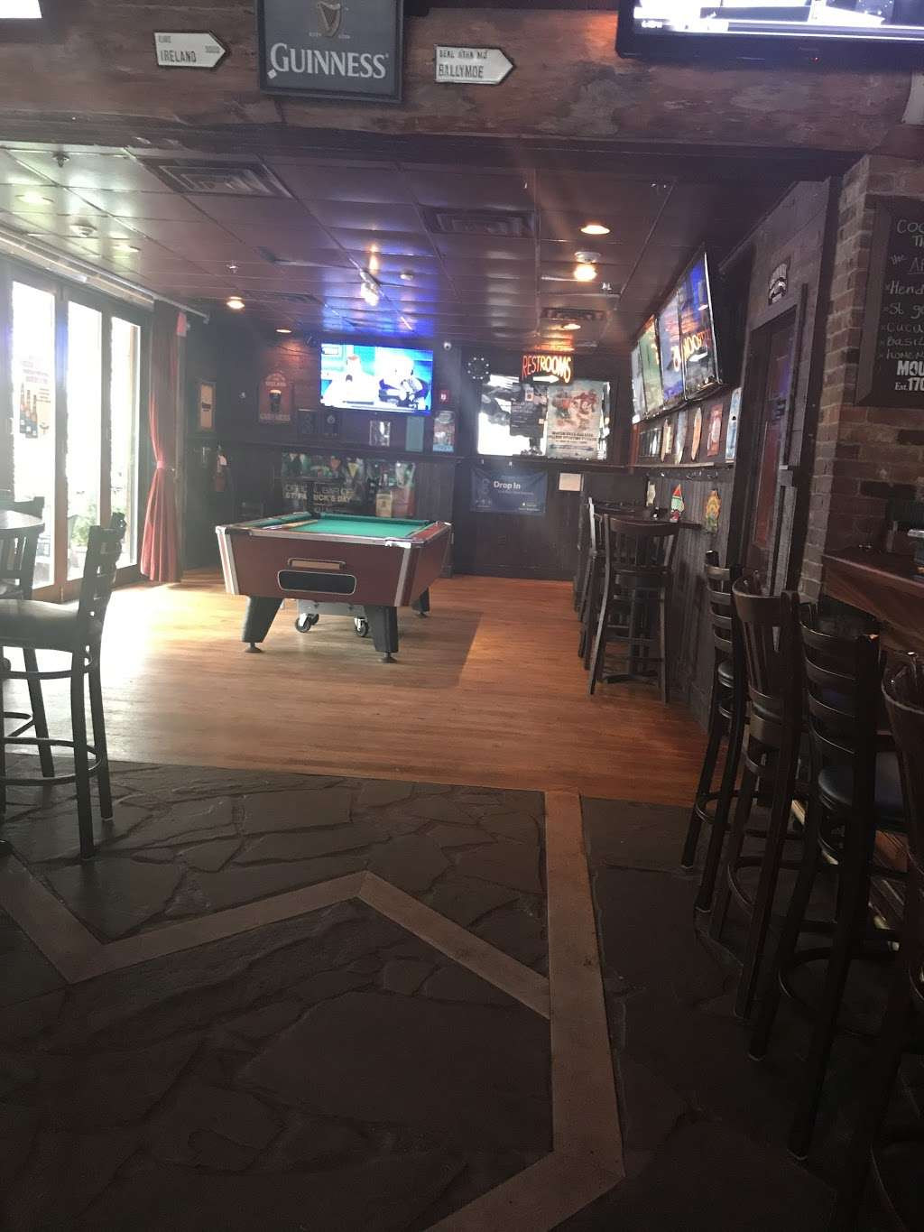 McSwiggans Pub - restaurant  | Photo 5 of 10 | Address: 110 1st St, Hoboken, NJ 07030, USA | Phone: (201) 798-6700
