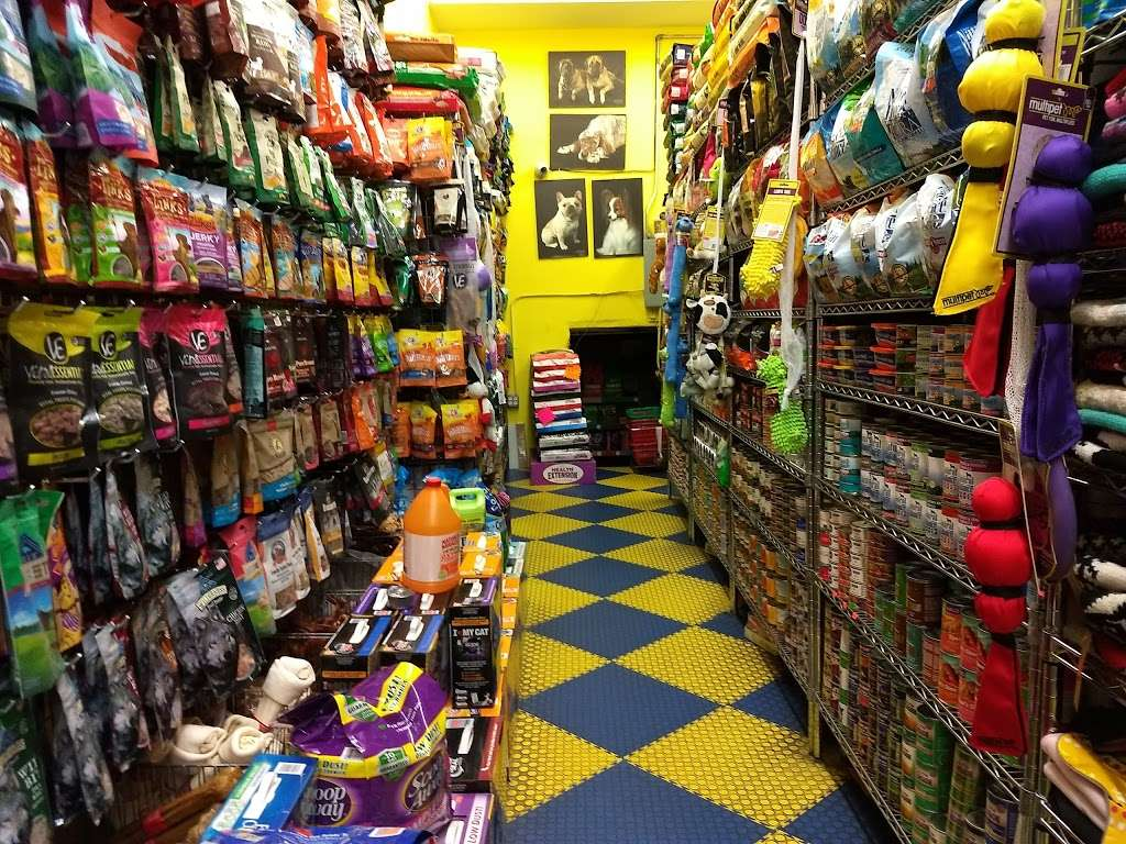 Furry Fiends - store    Photo 1 of 10   Address: 630 W 207th St, New York, NY 10034, USA   Phone: (212) 942-0222