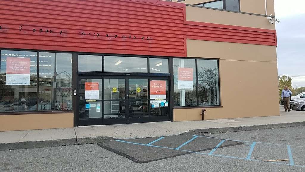 Staples - furniture store    Photo 3 of 10   Address: 134-01 20th Ave, College Point, NY 11356, USA   Phone: (718) 460-2258