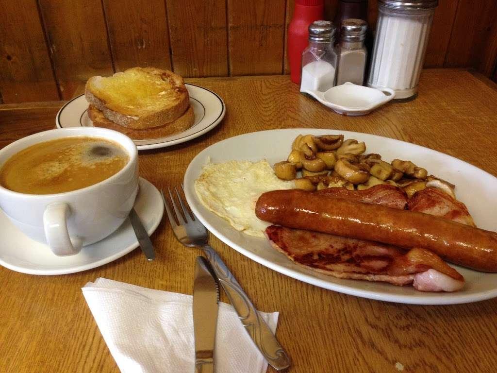 Rosie Lees Cafe - cafe  | Photo 4 of 6 | Address: 147 Anerley Rd, London SE20 8EF, UK | Phone: 020 8778 0776