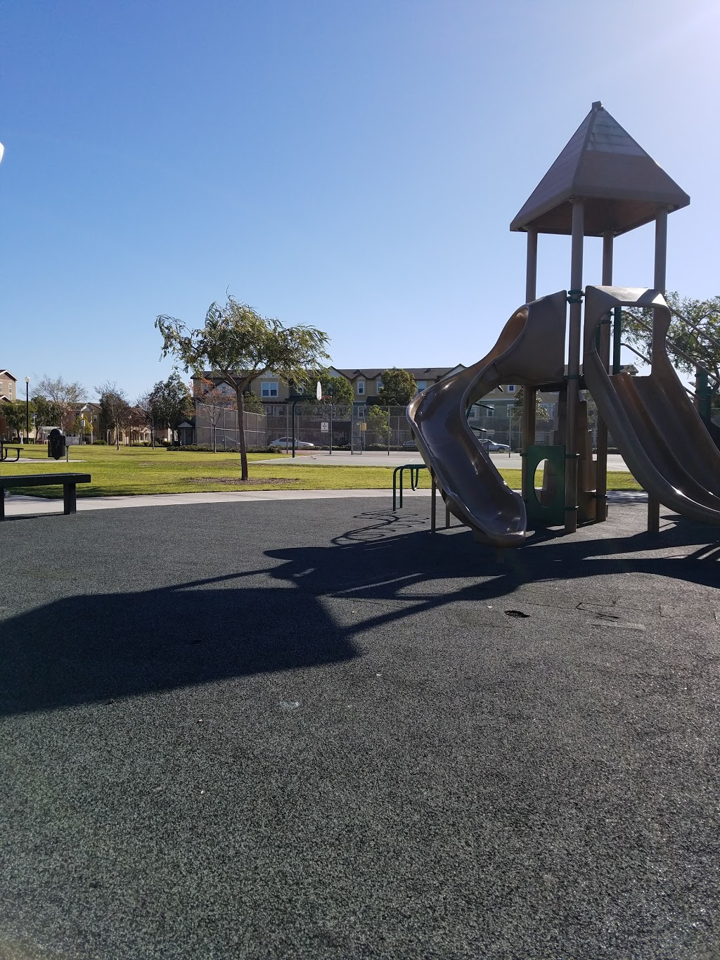 East Park - park  | Photo 1 of 10 | Address: 351 Indus Pl, Oxnard, CA 93036, USA | Phone: (805) 385-7950