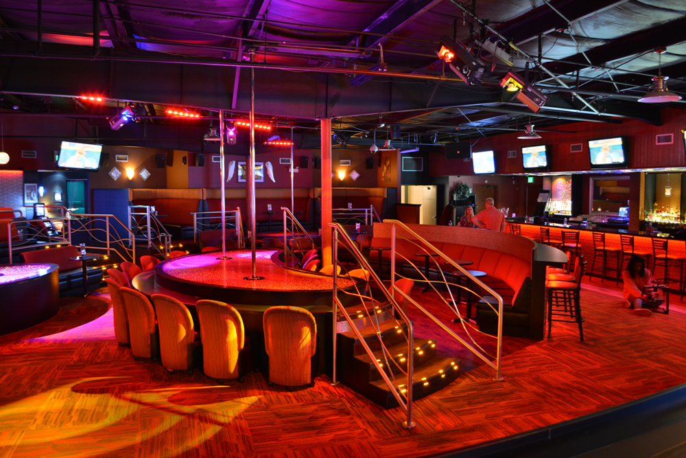 Club 390 - night club  | Photo 2 of 10 | Address: 390 E Joe Orr Rd, Chicago Heights, IL 60411, USA | Phone: (708) 758-2582