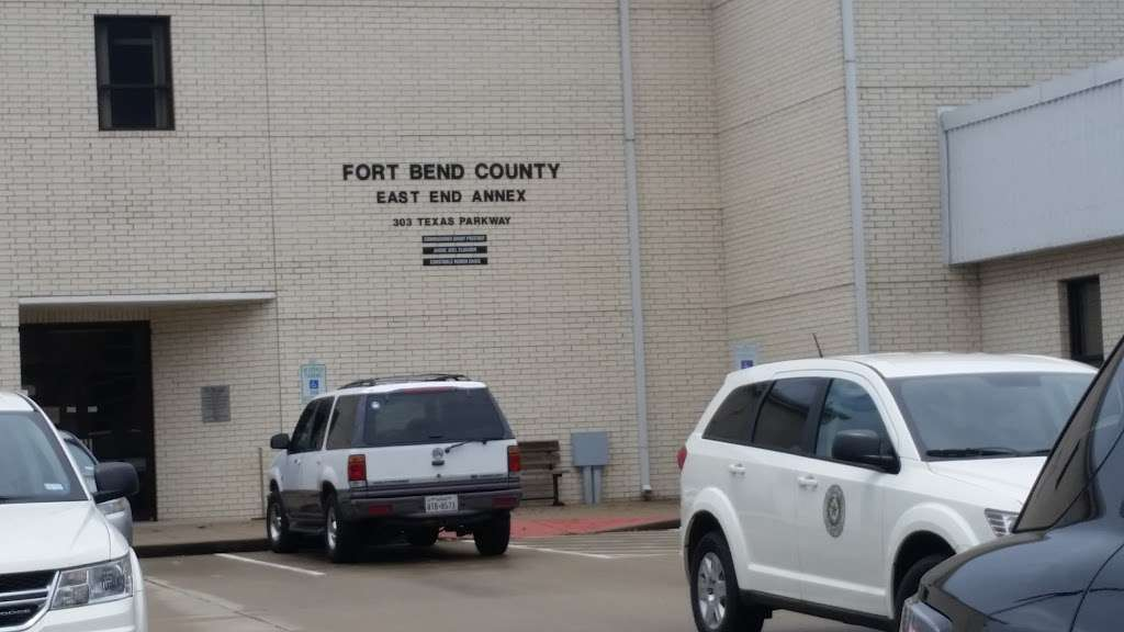 Missouri City Annex Branch Tax Assessor - local government office  | Photo 2 of 4 | Address: 307 Texas Pkwy #113, Missouri City, TX 77489, USA | Phone: (281) 261-2886