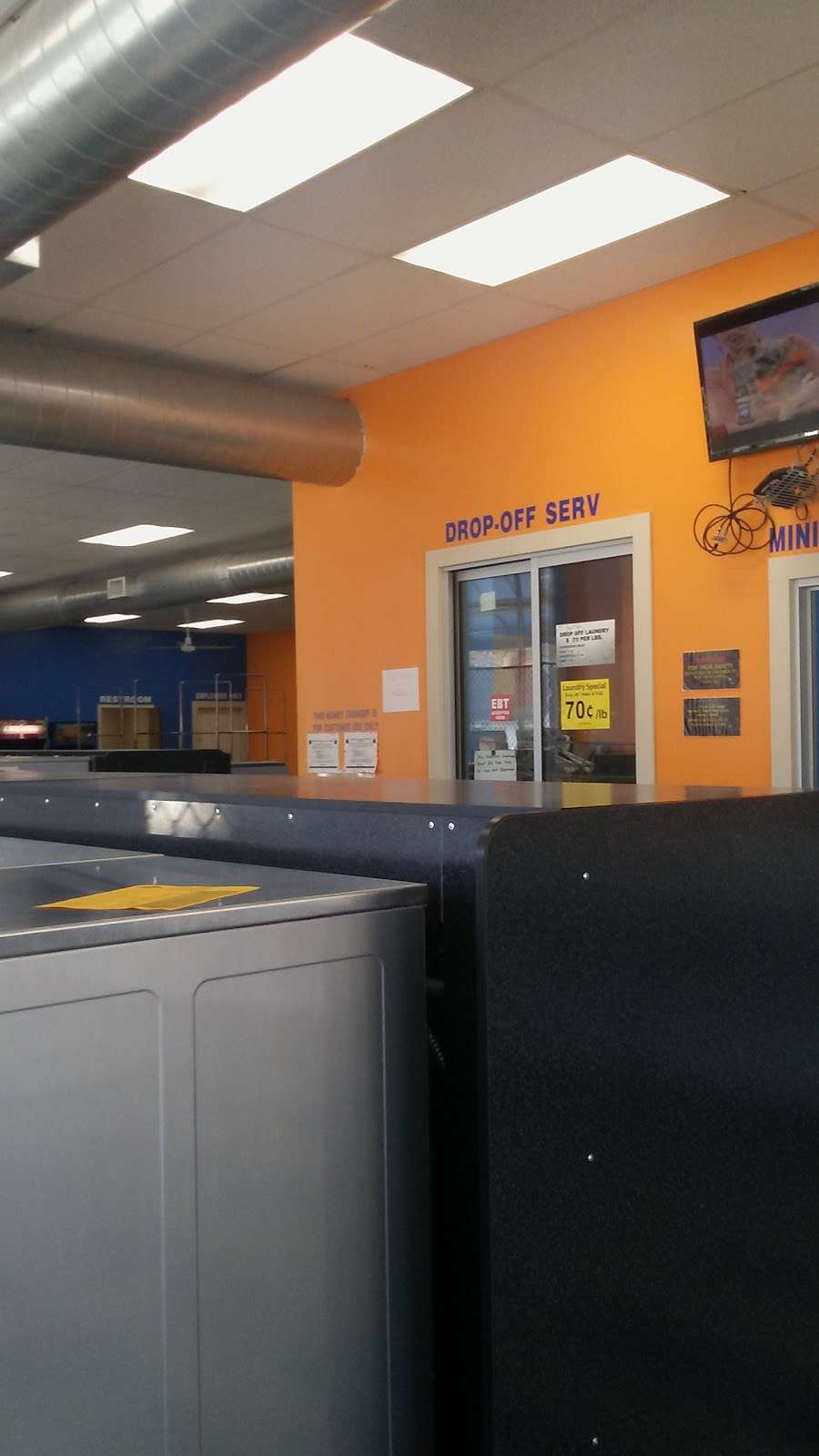 Truman Wash Tub - laundry  | Photo 8 of 10 | Address: 10215 E Truman Rd, Independence, MO 64052, USA | Phone: (816) 503-8593