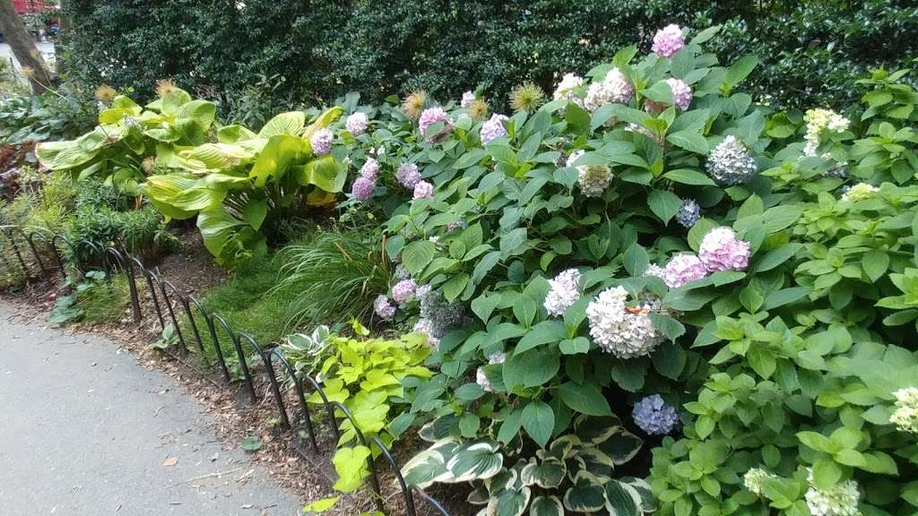 Washington Market Park - park  | Photo 9 of 10 | Address: 199 Chambers St, New York, NY 10007, USA | Phone: (212) 639-9675