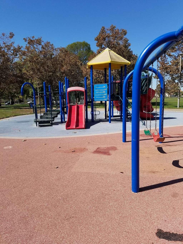 Almondridge Park - park  | Photo 3 of 10 | Address: 3400 Almondridge Dr, Antioch, CA 94509, USA | Phone: (925) 779-6950